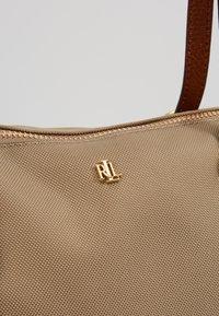 Lauren Ralph Lauren - KEATON TOTE-SMALL - Handbag - clay - 6