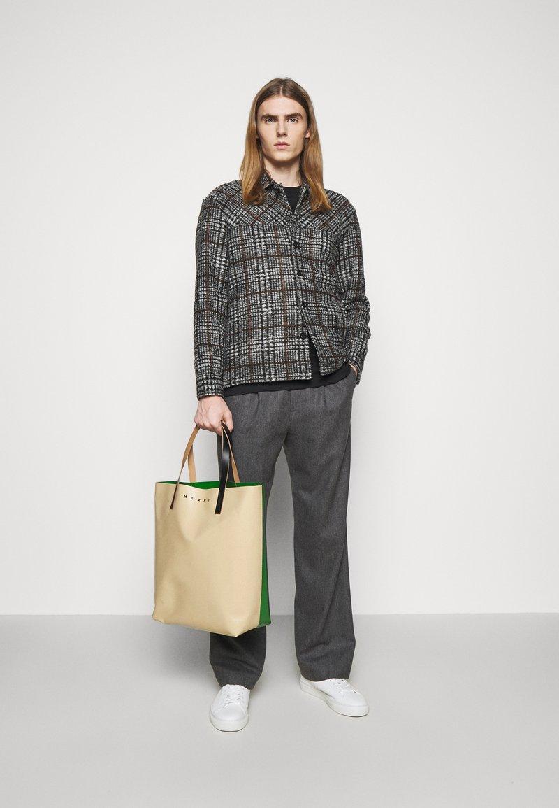 Marni - UNISEX - Tote bag - soft beige/garden green/black