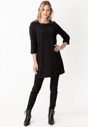 MISHA - Vestido ligero - black