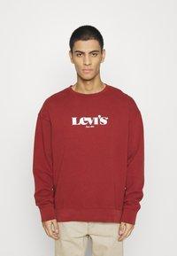 Levi's® - PRIDE RELAXED GRAPHIC CREW UNISEX - Sweatshirt - blacks - 0