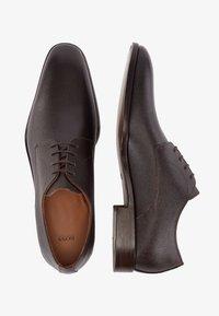 BOSS - Stringate eleganti - dark brown - 0