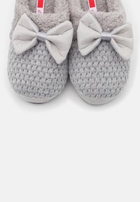 s.Oliver - Slippers - grey - 5