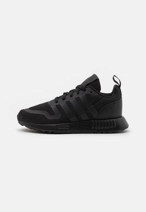 MULTIX UNISEX - Sneaker low - core black