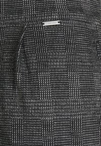 Calvin Klein Tailored - TAPERED PLEAT COMFORT CHECK - Trousers - black - 2