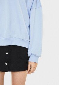 Bershka - Stickad tröja - light blue - 3