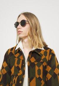 Gucci - UNISEX - Sunglasses - grey - 0