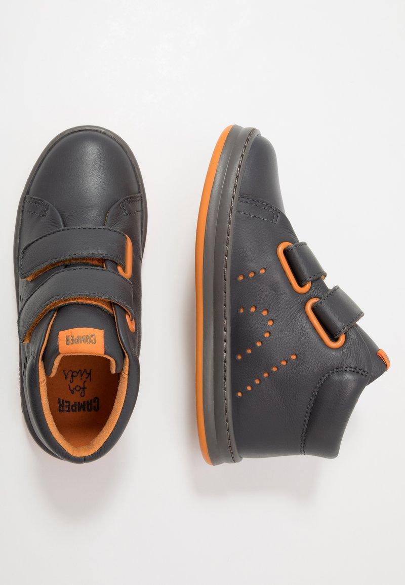 Camper - RUNNER FOUR KIDS - Zapatillas altas - medium gray
