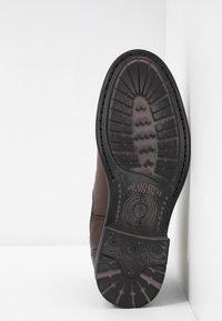 Sneaky Steve - CLOSER - Kotníkové boty - brown - 4