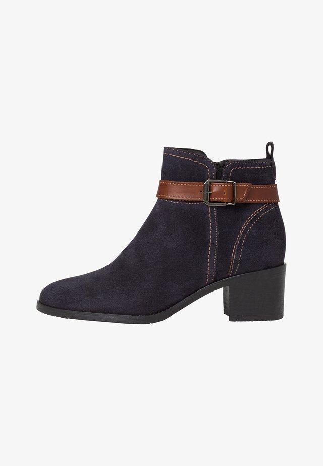 Boots à talons - navy sue./cog.