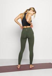Cotton On Body - ULTIMATE BOOTY FULL LENGTH - Leggings - khaki - 2