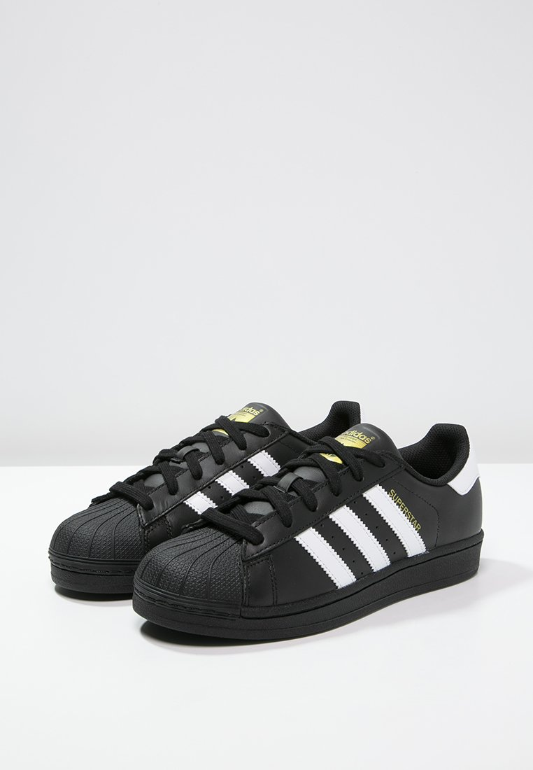 adidas superstar blanche et noir