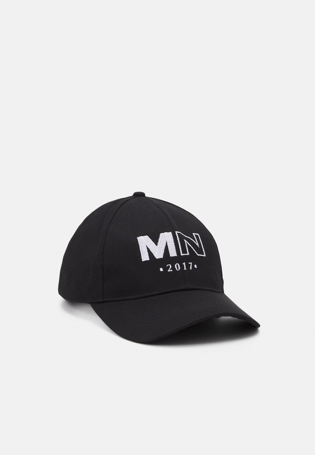RAW EDGE DETAIL AND EMBROIDERED LOGO UNISEX - Pet - black