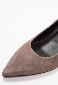Paco Gil - MARIEL - Classic heels - topo - 2