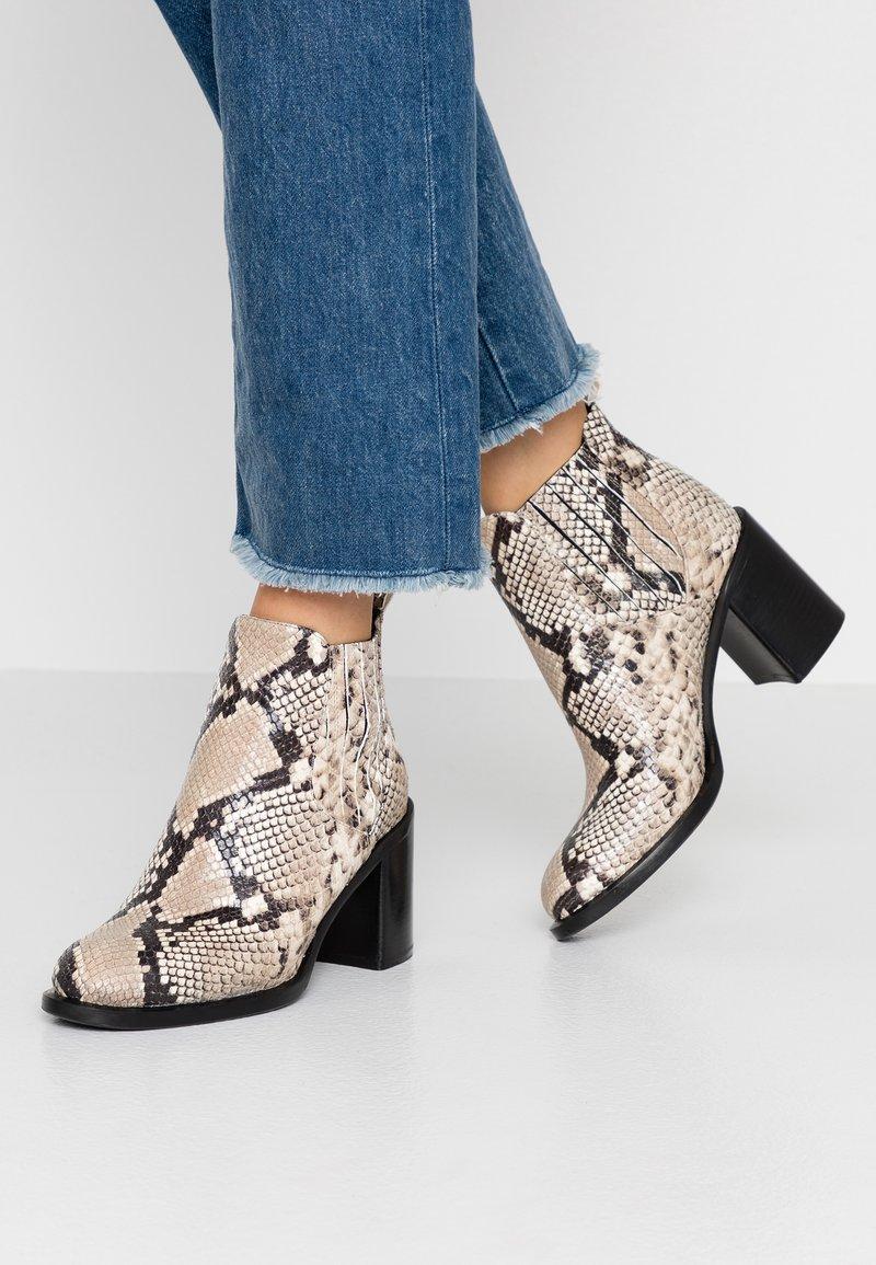 Alberto Zago - Ankle boots - roccia
