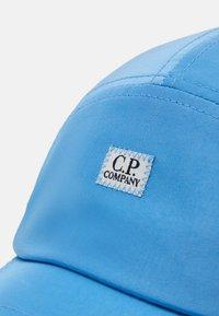 C.P. Company - BASEBALL  - Kšiltovka - riviera - 4