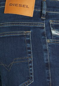 Diesel - YENNOX - Slim fit jeans - dark blue - 5