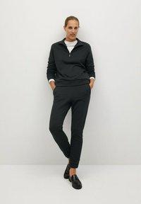 Mango - RIVI-A - Teplákové kalhoty - gris anthracite - 1