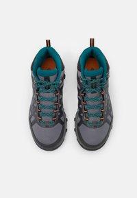 Columbia - PEAKFREAK X2 MID OUTDRY - Hiking shoes - grey steel/deep wave - 3