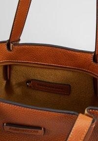 FREDsBRUDER - KYOTO - Tote bag - light camel - 4