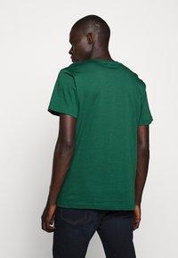 Bruuns Bazaar - GUSTAV BUSTER TEE - Basic T-shirt - dark green - 2