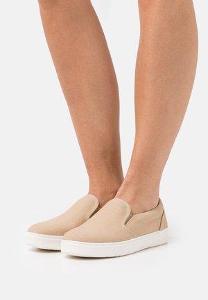 Slip-ons - dusty beige