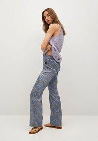 Mango - ESTAMPADO - Trousers - azul - 3