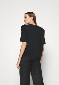Selected Femme - SLFOLINE PADDED TEE  - Print T-shirt - black - 2
