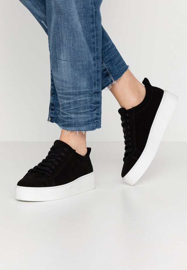 VMKELLA  - Trainers - black