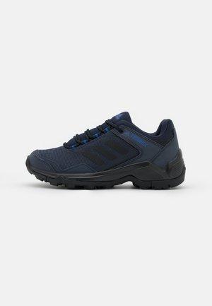 TERREX EASTRAIL - Trekingové boty - legend ink/core black/bold blue