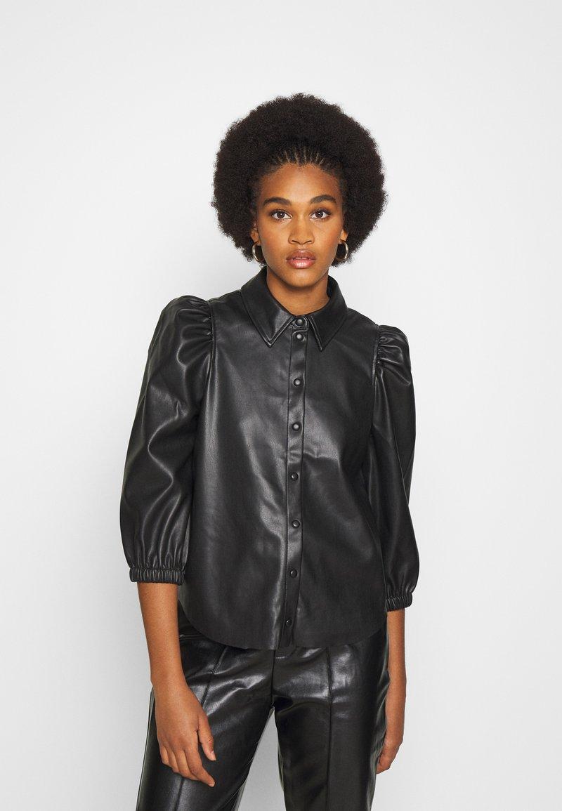Vero Moda - VMBUTTERLOLA 2/4  - Skjorte - black