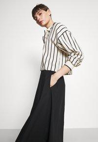 Monki - KINO SKIRT - Maxi sukně - black - 3