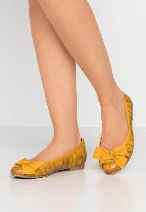 Ballet pumps - saffron