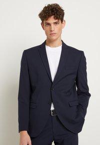 Selected Homme - SHDNEWONE MYLOLOGAN SLIM FIT - Suit - navy blazer - 0