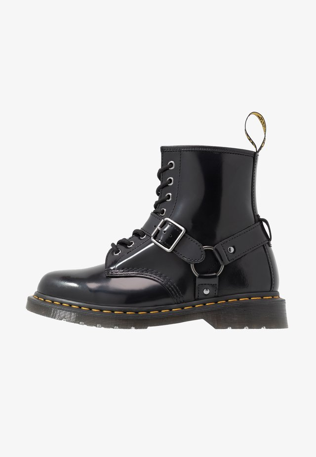 1460 HARNESS BOOT - Lace-up ankle boots - black