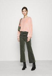 ONLY - ONLALVA - Sweatshirt - misty rose - 1