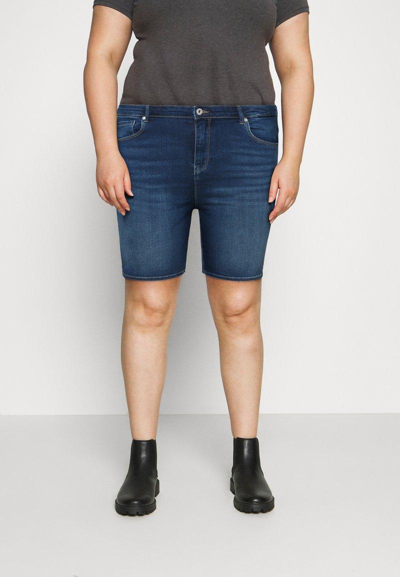 ONLY Carmakoma - CARLAOLA LIFE - Denim shorts - medium blue denim