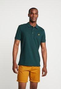 Lyle & Scott - SLIM FIT - Poloshirts - jade green - 0