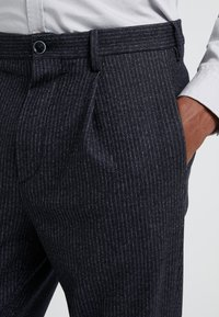 GTA - RORY - Trousers - navy - 3
