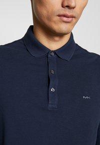 Michael Kors - GARMENT DYE - Polo shirt - midnight - 4