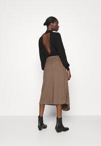 Gestuz - BELLIS SKIRT - Pleated skirt - brown - 2