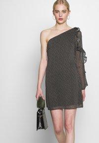 Stevie May - SPECKLE MINI DRESS - Denní šaty - black - 3