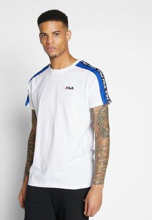 THANOS - Print T-shirt - bright white/surf the web