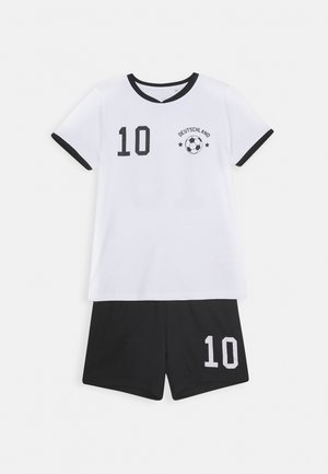 NKMHATEAM SHORT SET - Shortsit - bright white/black