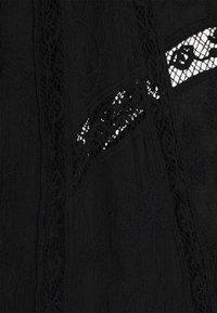 Forever New - VALERIE EMBROIDERED KIMONO - Summer jacket - black - 2