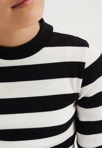 WE Fashion - ROLNEK - Long sleeved top - black - 2