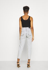 Gina Tricot - DAGNY HIGHWAIST - Relaxed fit jeans - bleached grey - 2