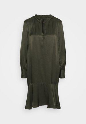 BAUME ESTE DRESS - Cocktail dress / Party dress - green night