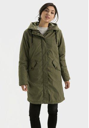 MIT HERAUSTRENNBAREM INNENTEIL - Winter coat - olive