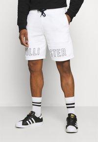 Hollister Co. - EXPLODED ICON - Shorts - white/black icon - 0