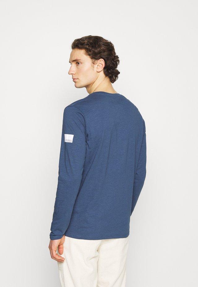 GUTI TEE - Maglietta a manica lunga - dark denim